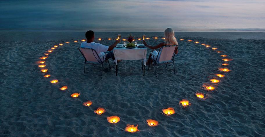 Mauritius Honeymoon Candle Light Dinner am Strand