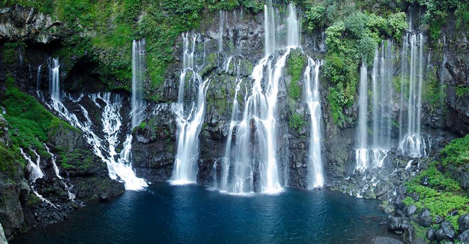 Aktive Honeymoon Ferien auf La Reunion. Wasserfall