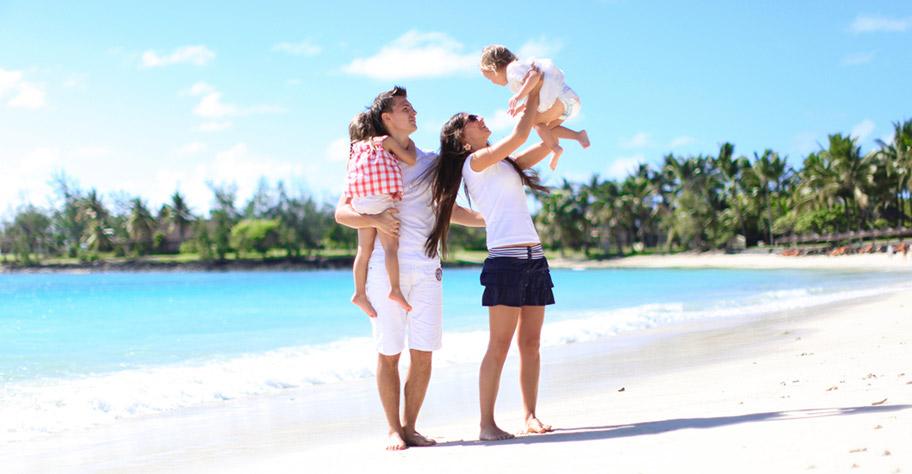 Mauritius Familienferien Strand Eltern mit Kindern